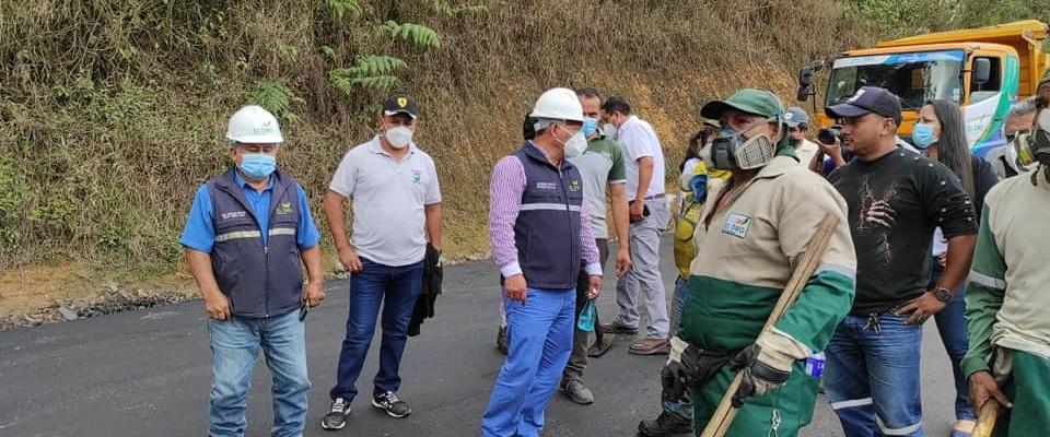 CONTINUAMOS CON EL ASFALTADO DE CALLES DE  GUIZHAGUIÑA